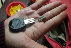 broken chevrolet key